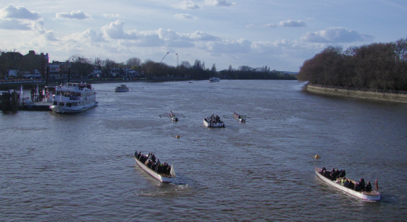 The Boat Races 2015 (11 April 2015), seen from Putney Bridge