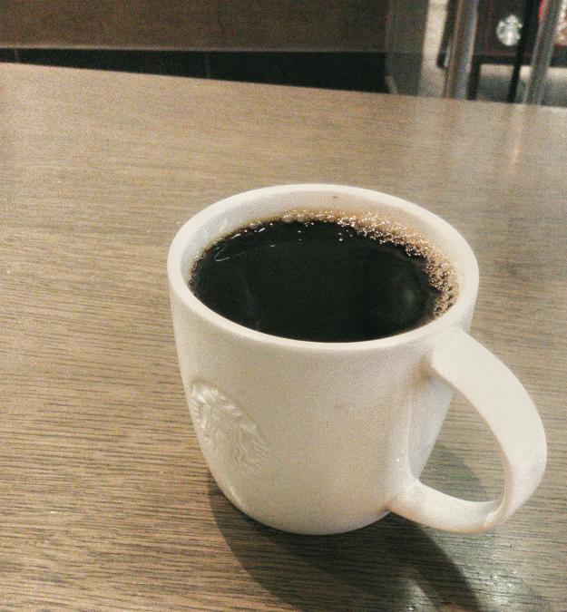 ロンドンのスターバックスで小サイズで£1のコーヒー