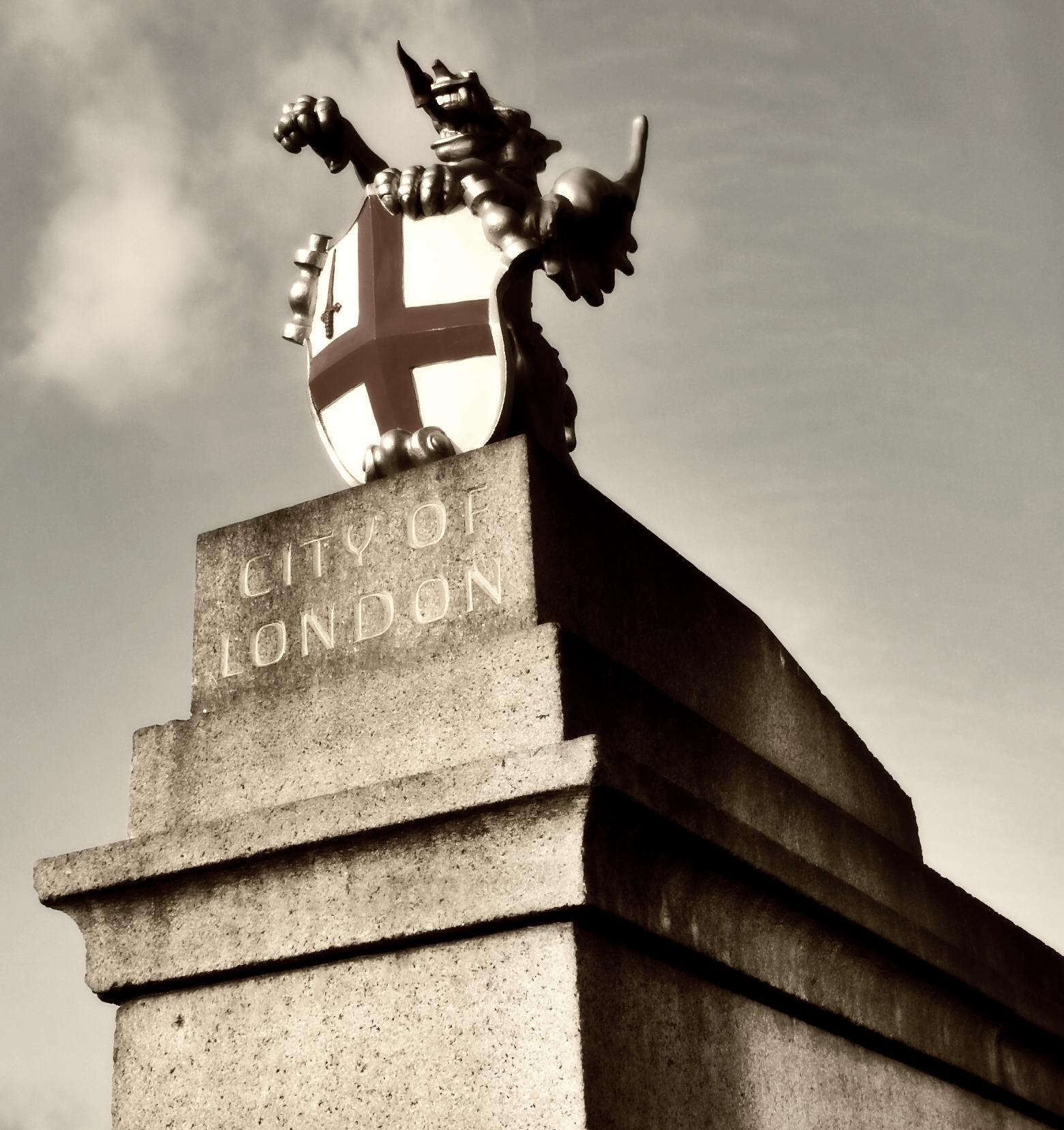 Dragon boundary mark, south side of London Bridge