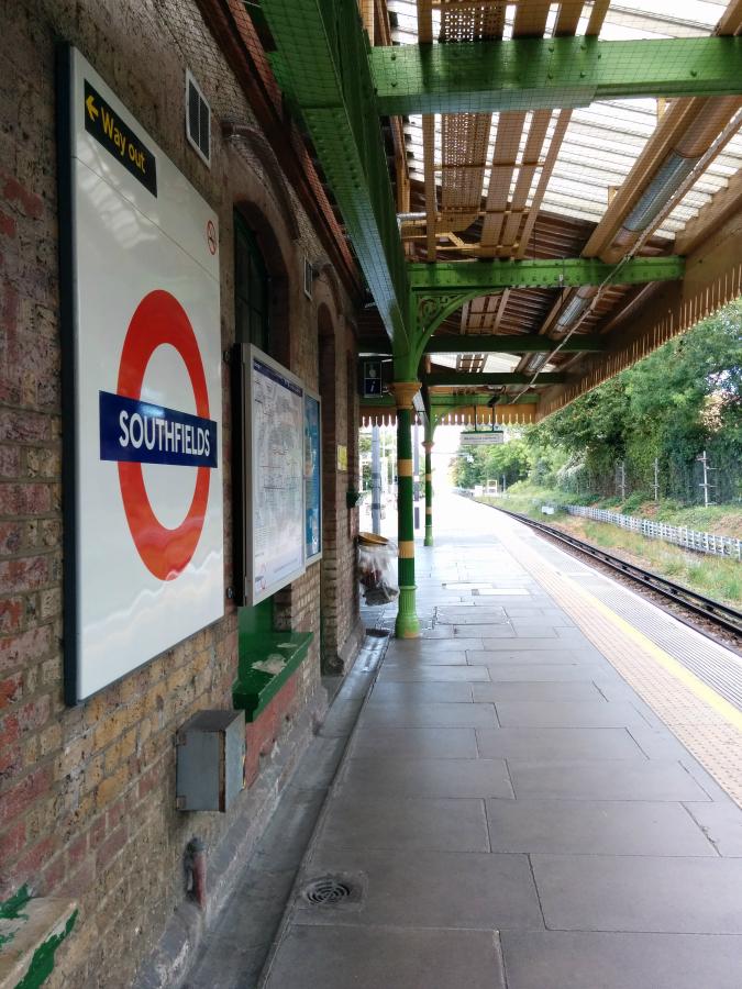 Southfields London Underground station: original