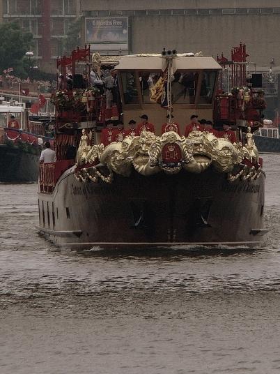 英女王在位60年記念水上パレード