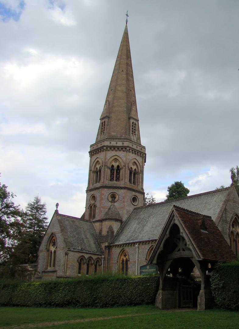 ドーキング St Barnabas 教会(2013年8月10日)