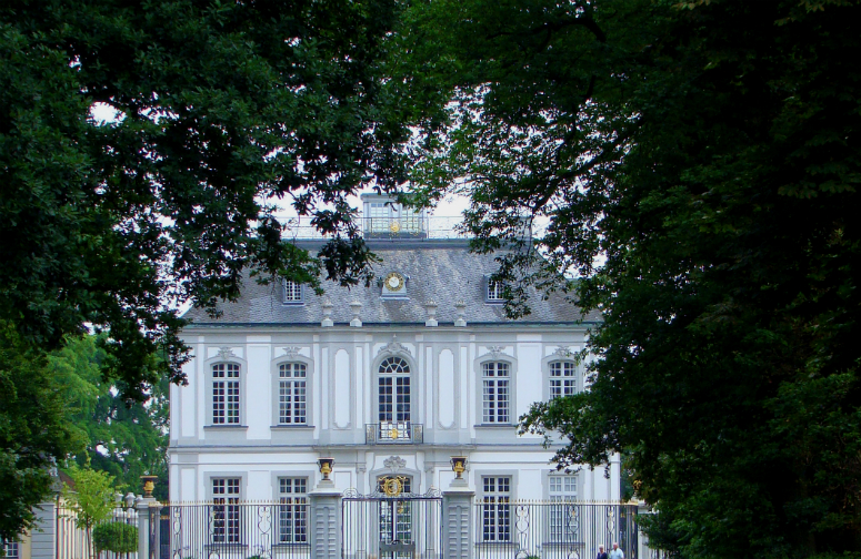 Photograph—Brühl—Jagdschloß Falkenlust—Hunting lodge for the Archbishop and Elector of Cologne │ A UNESCEO World Heritage site