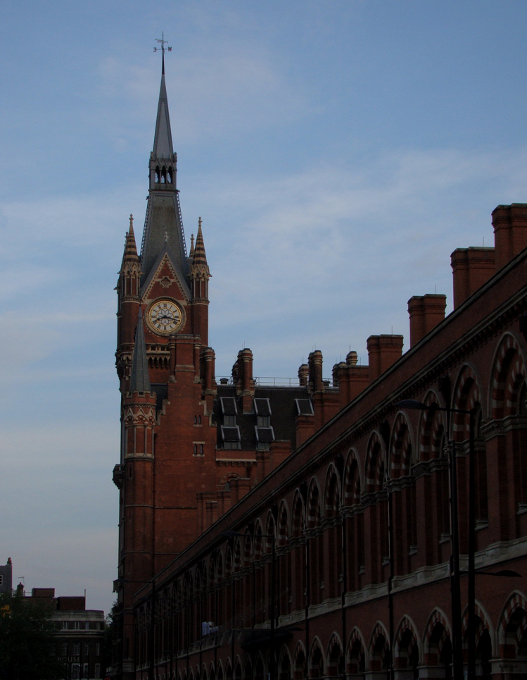 St Pancras International Station (exterior)