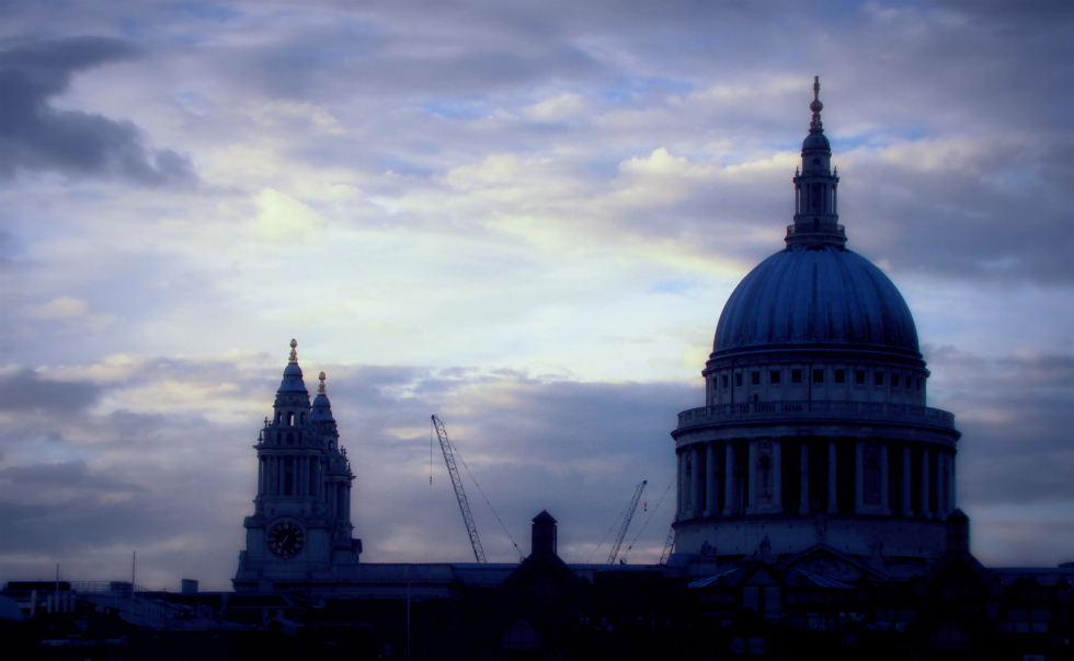 Photograph of St Paul's Cathedral, taken from the opposite bank of the Thames. 17 August 2012 (2)