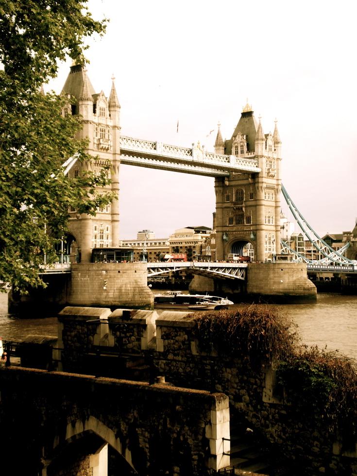 Photograph—London │ Tower Bridge