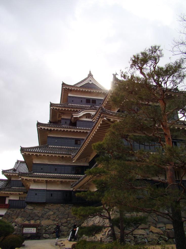 Photograph of Matsumoto Castle. (30 January 2011)
