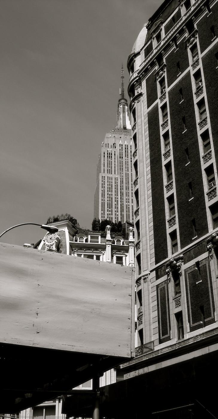 写真|ニューヨーク:エンパイア・ステート・ビル|白黒