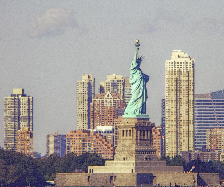 ニューヨークの自由の女神像