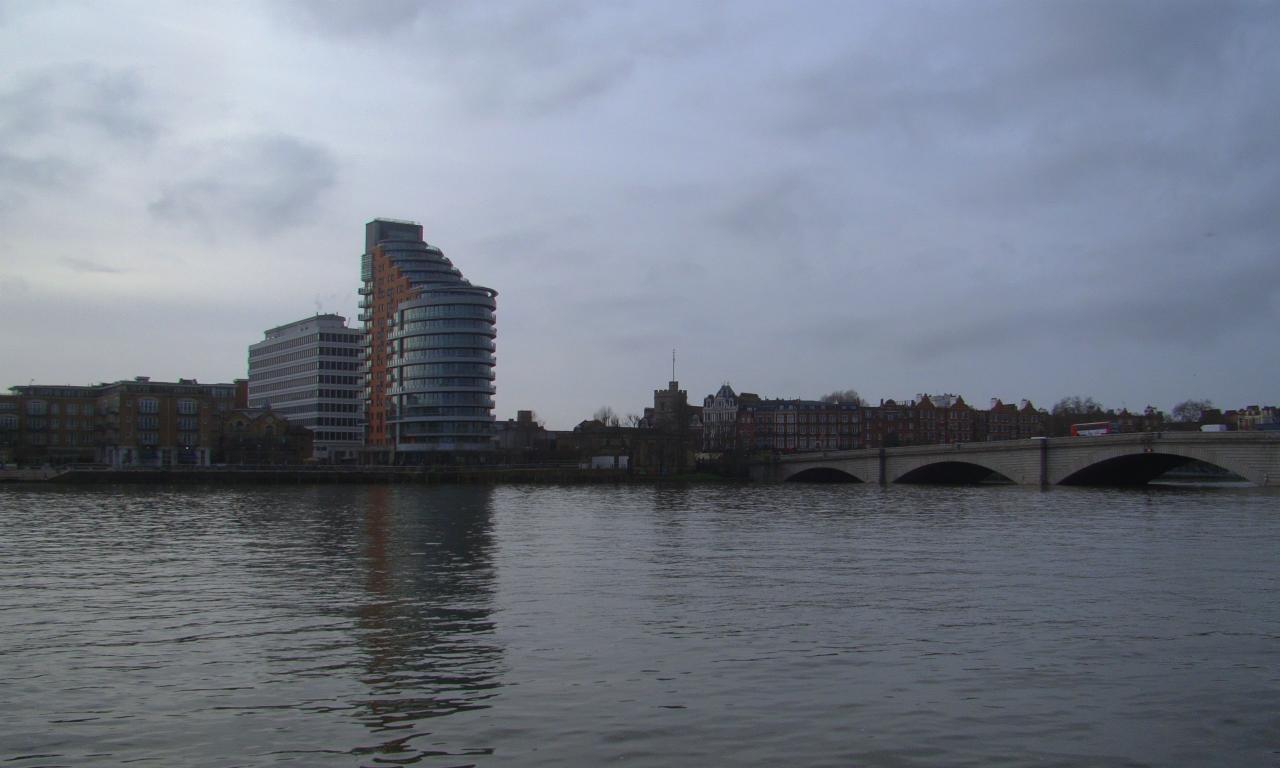 2016年1月23日にロンドンのテムズ河畔をワンズワースからパットニーまで散歩した時に撮影した写真。