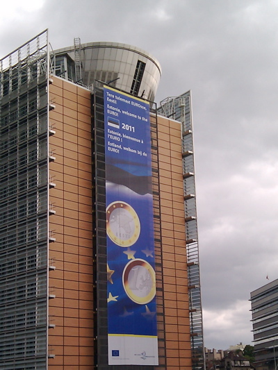 Estonia will join the euro — a big announcement on the Berlaymont building, Brussels