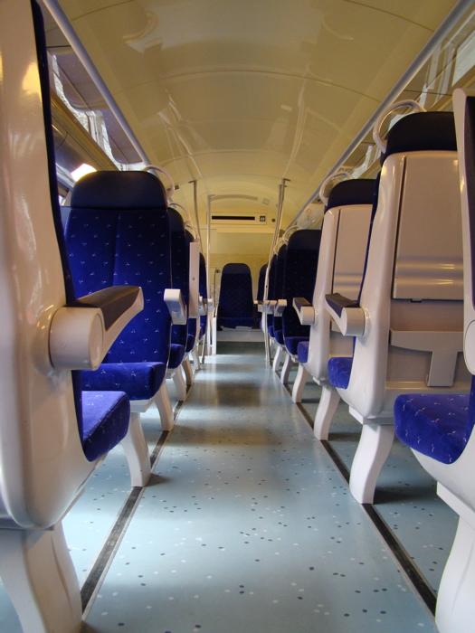 フランス国鉄の車両の写真|ルクセンブルク発ナンシー行(2)|車両内