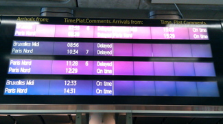 Electronic boards telling a tale of Eurostar delays (1/2)