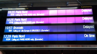 Electronic boards telling a tale of Eurostar delays (2/2)