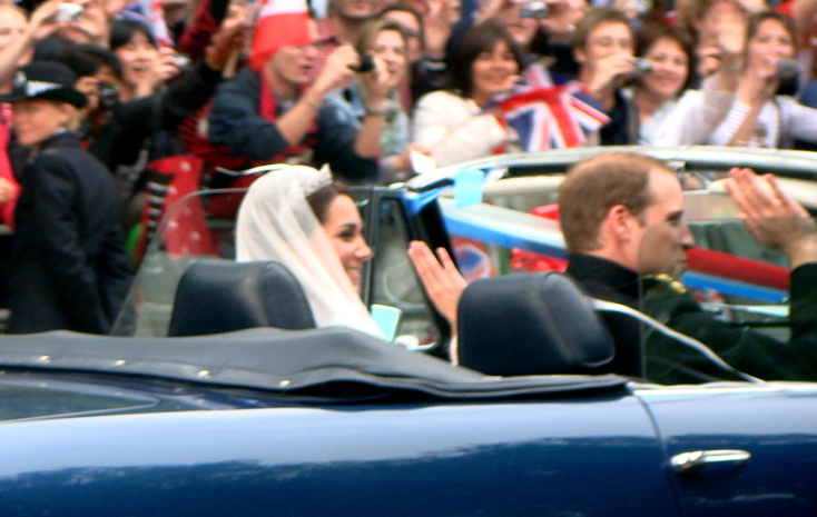Duke and Duchess of Cambridge │ Driving from Buckingham Palace to Clarence House (3)
