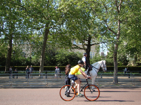 The Mall: a policman on horse, and a cyclist