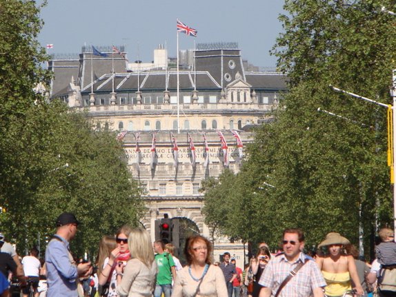 The Mall: looking towards Admiralty Arch