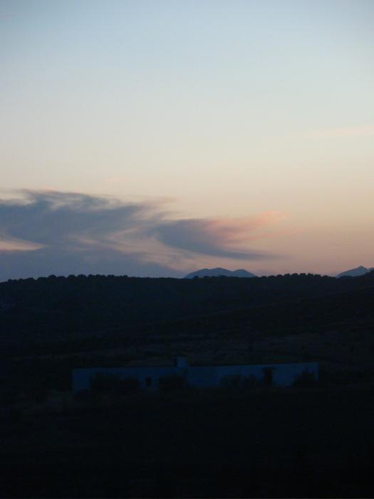コルドバ・マラガ:高速列車での旅 陽は沈むもまだ明るい空【2】