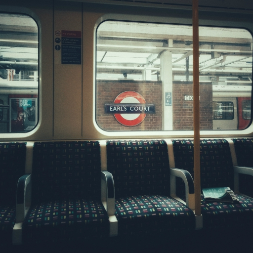 Stock images — 512×512 — London — London Underground District line at Earl's Court station — 13 June 2018