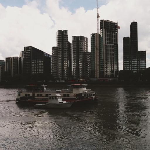 画像素材512✕512:ロンドンの写真|329|テムズ河沿いの建物