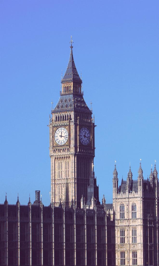 画像素材:縦長バナー:660✕1100(3:5) ロンドン|57|ウェストミンスター宮殿時計塔(エリザベス・タワー)