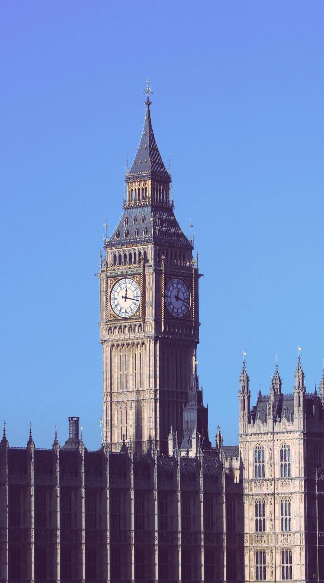 画像素材:縦長バナー:660✕1188(5:9) ロンドン|57|ウェストミンスター宮殿時計塔(エリザベス・タワー)