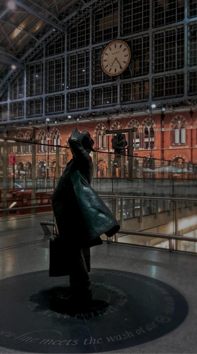 画像素材:縦長バナー:660✕1188(5:9) ロンドン|59|セント・パンクラス駅