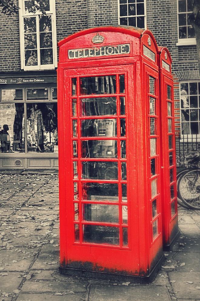 画像素材:縦長バナー:660✕990(2:3) ロンドン|56|赤い公衆電話ボックス