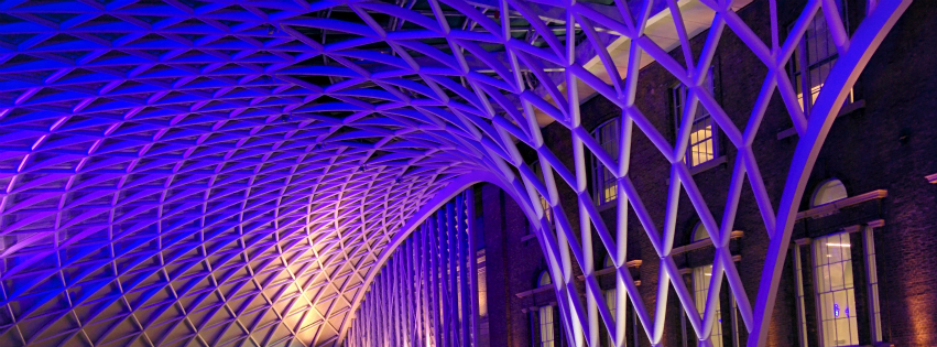 画像素材:851✕315(Facebookカバー写真):建築の写真(142:ロンドンのキングス・クロス駅の屋根):2015年1月19日撮影