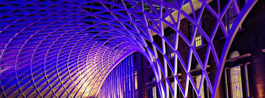 画像素材:851✕315(Facebookカバー写真):建築の写真(143:ロンドンのキングス・クロス駅の屋根):2015年1月19日撮影