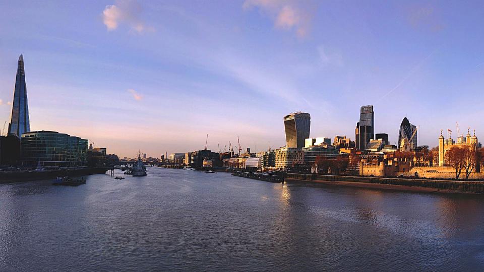 画像素材・壁紙960✕540:ロンドン|119:タワー・ブリッジから見たロンドンの風景