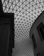 大英博物館:グレート・コート(白黒写真)