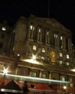 バンク・オブ・イングランド:英国中央銀行(夜景写真)