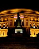 ロイヤル・アルバート・ホール(夜景写真)