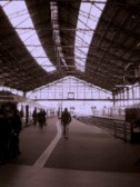 パリ:サン・ラザール駅:駅構内の模様