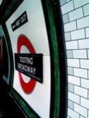 ロンドン地下鉄トゥーティング・ブロードウェイ駅