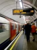 ロンドン地下鉄|プラットホーム