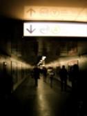 パリで地下鉄から RER に乗り換えるさいに歩いた連絡通路