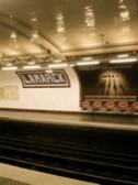 パリ地下鉄 Lamarck-Caulaincourt 駅のプラットホーム
